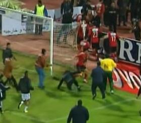 مداخلة متعب وابوتريكة أثناء احداث مباراة الأهلي والمصري
