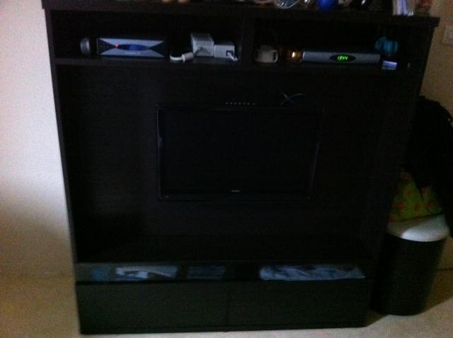 2 meubles tv cuisini re four service de table broderie bijoux d co et - Meuble tv moins de 100 euros ...