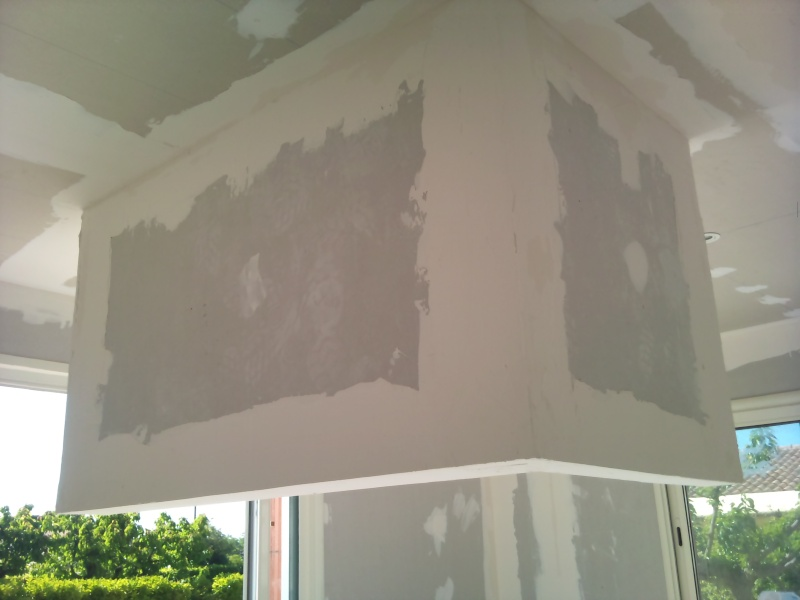 mur suspendu notre villa pernoise