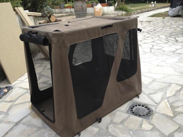niche pliante pop up kennel pour grand chien forums. Black Bedroom Furniture Sets. Home Design Ideas