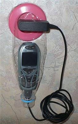 Porta celular con botella