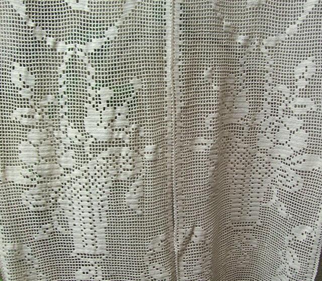 rideaux anciens art deco au crochet le blog de tissus anciens. Black Bedroom Furniture Sets. Home Design Ideas