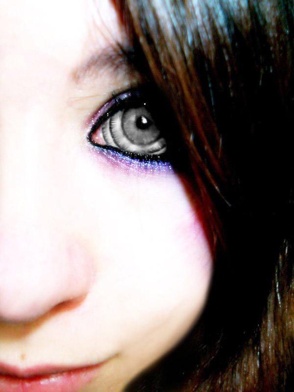 eye_de29.jpg