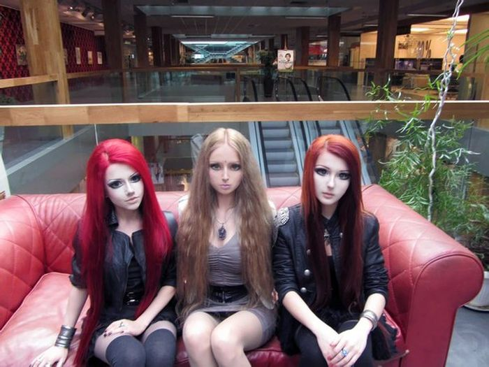 Valeria lukyanova amatue la barbie humaine - Barbie chanteuse ...