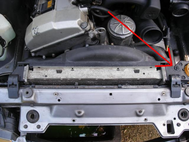 Bmw e36 316 i m43 changement pompe a eau et calorstat for Purge de radiateur de chauffage
