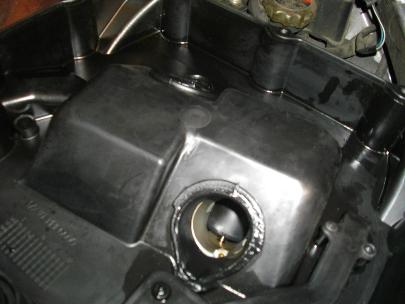 deauville 650 fuite huile moteur entre les cylindresz page 2. Black Bedroom Furniture Sets. Home Design Ideas