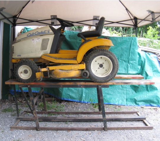Garden Tractor Work Stand : Homemade lawn mower lift ftempo