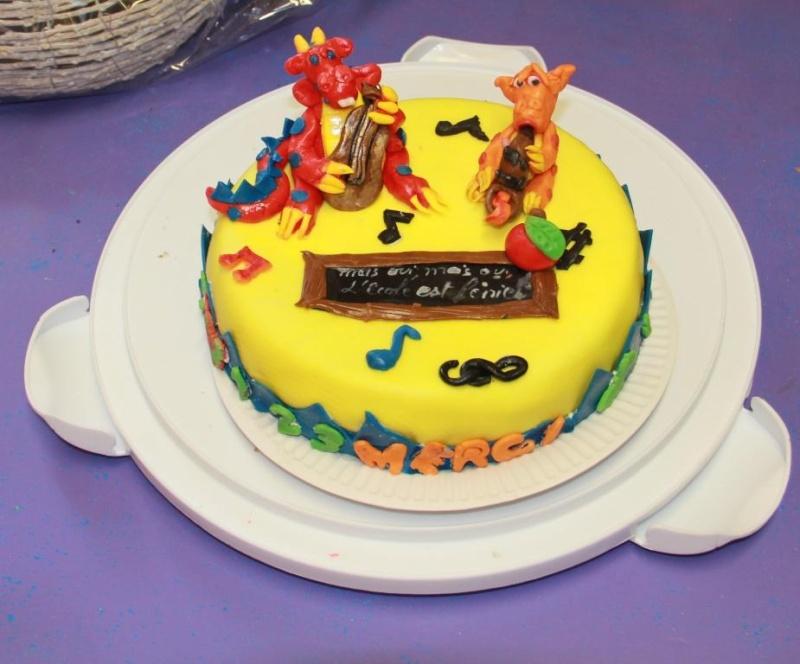 Gâteau dragons en pâte à sucre