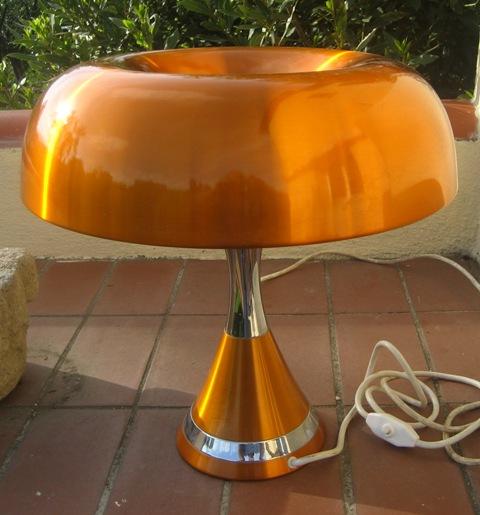 lampe champignon vintage art mide. Black Bedroom Furniture Sets. Home Design Ideas
