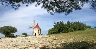 Caenwan, village