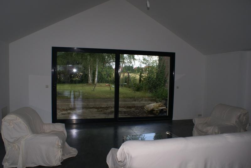 Baie vitr e alu gris grandes largeurs for Baie vitree 3 vantaux