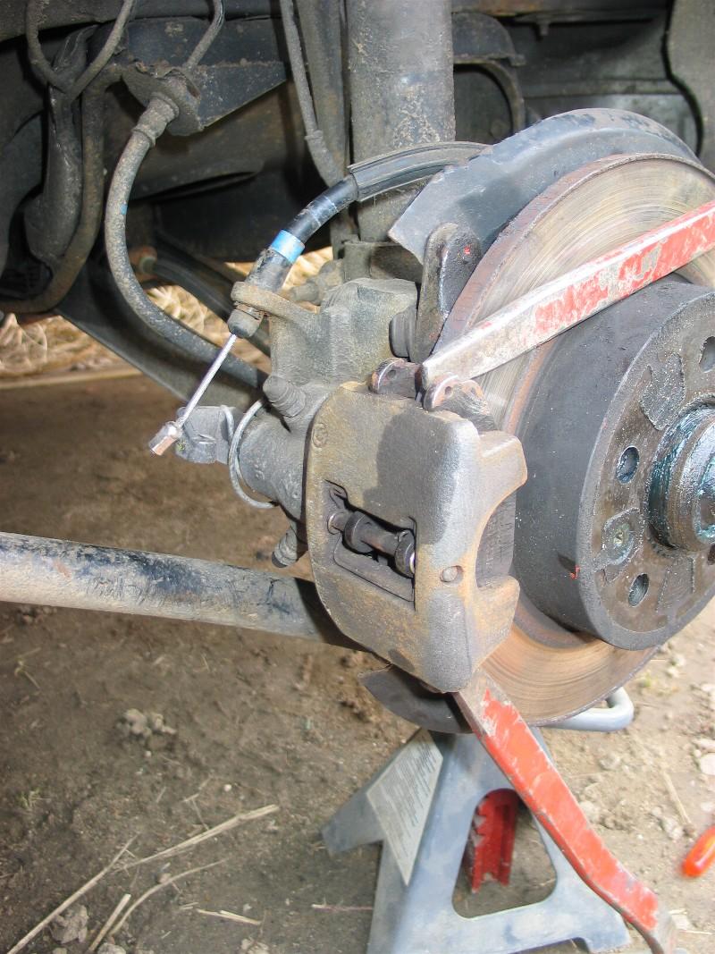 Bruit l 39 arri re gauche avec un disque plus chaud que le - Se couper le frein du gland soit meme ...