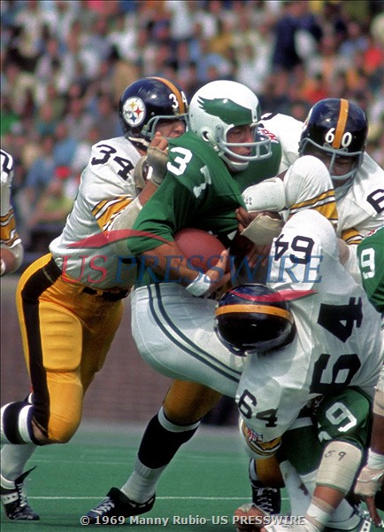 big sale 3454a bbdcd The 1969 Eagles – a rare two helmet team - Shibe Vintage Sports