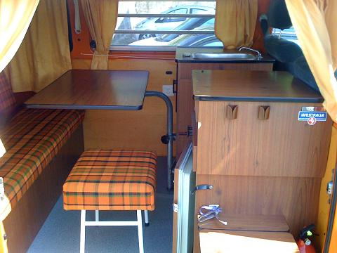 Vw bus bay window westfalia deluxe de 1974 for Interieur westfalia